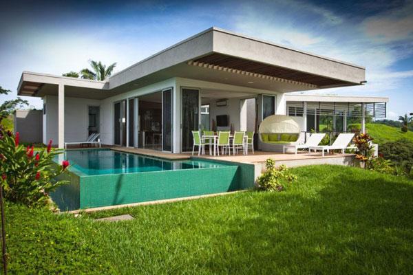 Black Beauty Mariposa Villa